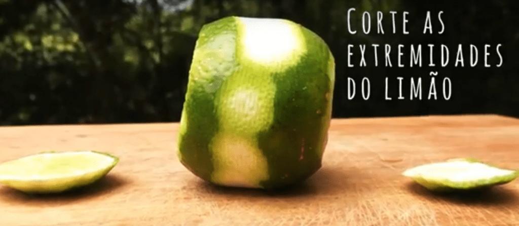 Aprenda o passo a passo para fazer a caipirinha perfeita.
