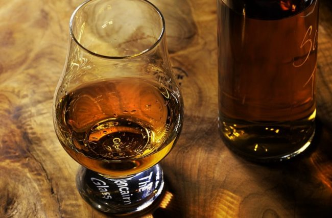 7 bebidas destiladas que você pode fazer na sua casa