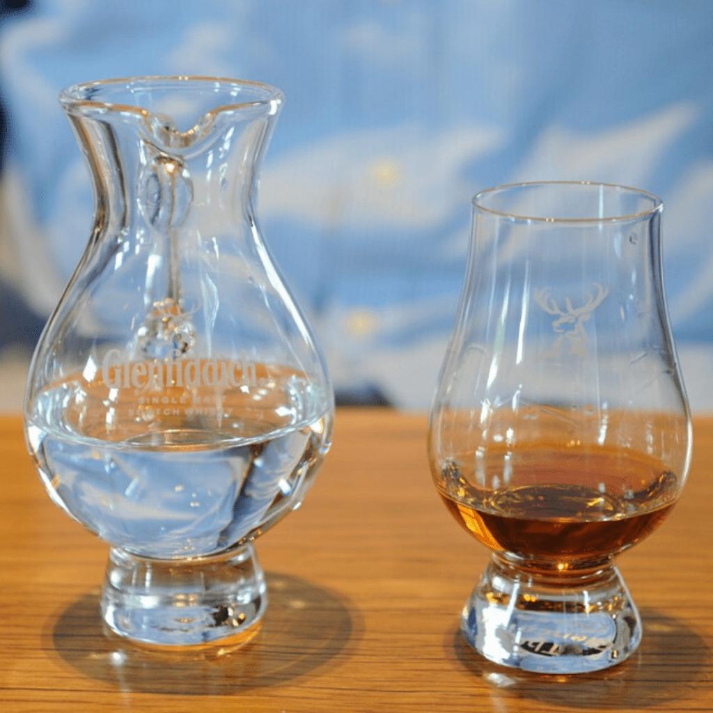 Motivos para você beber whisky: mais barato que cerveja!