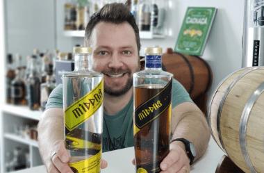 Como ser o dono de uma marca de bebida destilada, sem ter um alambique.