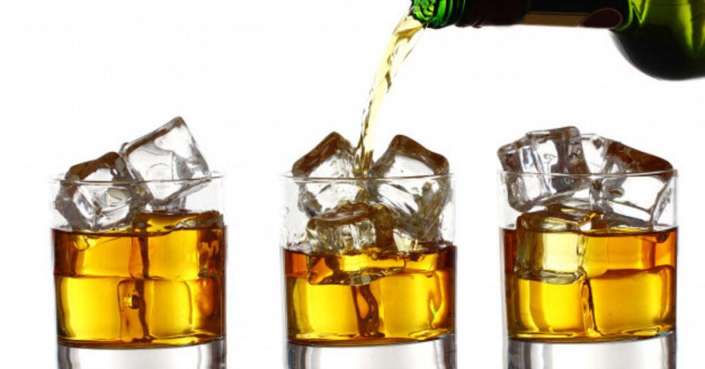 Veja o que fazer para ter a sua própria marca de bebida destilada