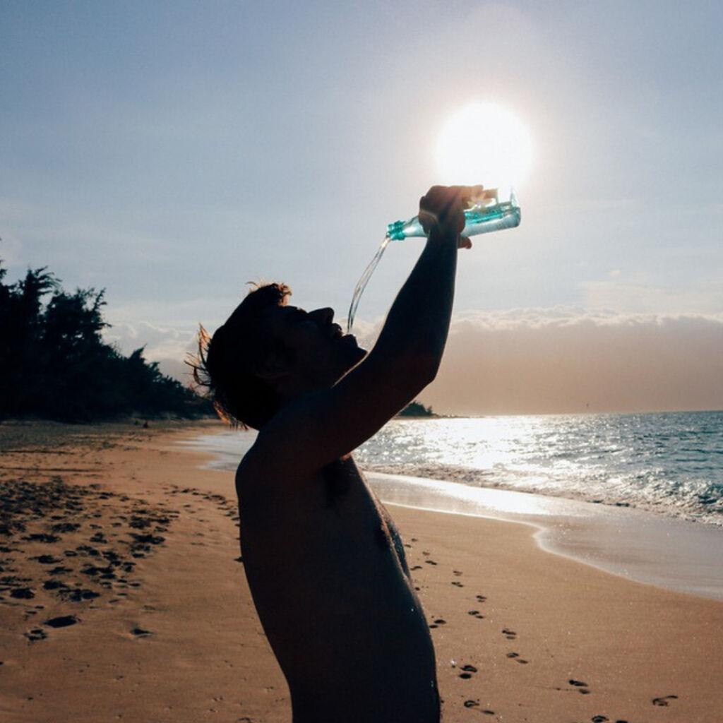 Como eu venci a ressaca Bebendo mais água